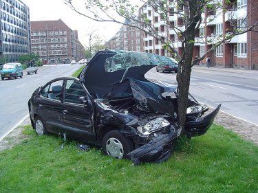 自動車保険の見直し。ソニー損保の面白い事して割り引いてくれる企画に興味あり。